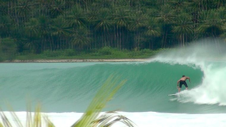 Surfista: Bruno Nonemacher - Nias, Indonésia - Cinegrafista: Stafanus Wau